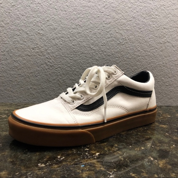 fee32b40f5 Vans Old Skool Gum Blanc Shoes (authentic) ✨✨✨. M 5c552a895c44523532c4e232